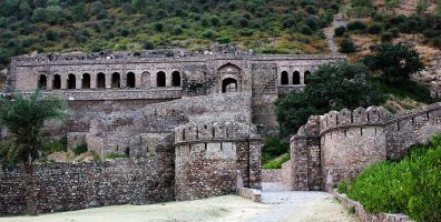 Bhangarh Fort Story Behind The Haunted Fort Perfect For Short Trip